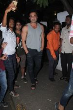 Bobby Deol spotted at bandra on 5th Sept 2018 (3)_5b90d728083c2.JPG