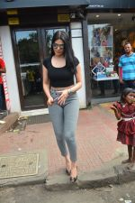 Sherlyn chopra spotted at Bastian bandra on 5th Sept 2018 (1)_5b90d7d02ad0e.JPG