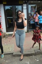 Sherlyn chopra spotted at Bastian bandra on 5th Sept 2018 (10)_5b90d7e3aaaae.JPG