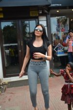 Sherlyn chopra spotted at Bastian bandra on 5th Sept 2018 (13)_5b90d7ea92e54.JPG