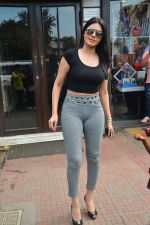Sherlyn chopra spotted at Bastian bandra on 5th Sept 2018 (14)_5b90d7eceefa2.JPG