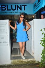 Shriya Saran spotted at Bblunt salon in bandra on 5th Sept 2018 (1)_5b90d7e505234.JPG