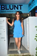 Shriya Saran spotted at Bblunt salon in bandra on 5th Sept 2018 (9)_5b90d7f79dafa.JPG