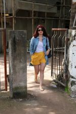 Twinkle Khanna at kromakay salon in juhu on 5th Sept 2018 (6)_5b90d80ad3c53.jpg