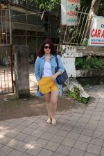 Twinkle Khanna at kromakay salon in juhu on 5th Sept 2018 (8)_5b90d8119d5ec.jpg