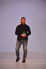Aamir Khan at the launch of Vivo V11 Pro in grand hyatt, mumbai on 6th Sept 2018 (7)_5b9218a5281d2.JPG