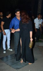 Akshay Kumar Celebrates His Birthday in Yautcha Bkc on 9th Sept 2018 (10)_5b975df4527f3.jpg