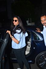 Deepika Padukone spotted at a salon in bandra on 11th Sept 2018 (10)_5b98bcc24cdeb.JPG