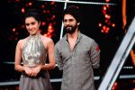 Shahid Kapoor, Shraddha Kapoor at the promotion of film Batti Gul Meter Chalu on the sets of Indian Idol at Yashraj in andheri on 11th Sept 2018 (37)_5b98c10e9909a.jpg