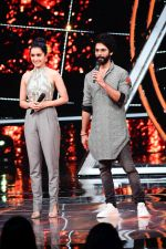 Shahid Kapoor, Shraddha Kapoor at the promotion of film Batti Gul Meter Chalu on the sets of Indian Idol at Yashraj in andheri on 11th Sept 2018 (39)_5b98c10ff25c9.jpg