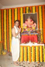 Jitendra, Tusshar Kapoor at Ganpati celebration in at juhu on 13th Sept 2018 (6)_5b9b56690703e.JPG