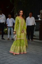 Malaika Arora at Ganpati celebrations in Arpita Khan_s home in khar on 13th Sept 2018 (57)_5b9b618b53227.jpg