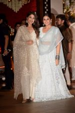 Rhea Chakraborty, Huma Qureshi at Mukesh Ambani_s House For Ganesha Chaturthi on 13th Sept 2018 (70)_5b9b572ecf1f7.jpg