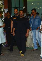 Salman Khan at Ganpati celebrations in Arpita Khan_s home in khar on 13th Sept 2018 (68)_5b9b61d069b88.jpg