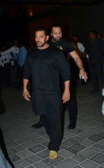 Salman Khan at Ganpati celebrations in Arpita Khan_s home in khar on 13th Sept 2018 (69)_5b9b61d245db9.jpg