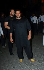 Salman Khan at Ganpati celebrations in Arpita Khan_s home in khar on 13th Sept 2018 (70)_5b9b61d3f300c.jpg