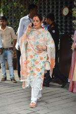 Poonam Sinha at Arpita Khan_s Ganpati Immersion at bandra on 14th Sept 2018 (17)_5b9ccb5e774d6.jpg