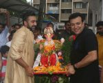 Shilpa Shetty Ganpati immersion at juhu on 14th Sept 2018 (13)_5b9cc5e221e59.jpg
