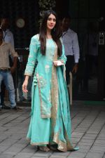 Warina Hussain at Arpita Khan_s Ganpati Immersion at bandra on 14th Sept 2018 (57)_5b9ccbdb65700.jpg