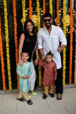 Shabbir Ahluwalia at Ekta Kapoor_s house for Ganpati celebration on 16th Sept 2018 (79)_5b9f4ff8a1227.JPG