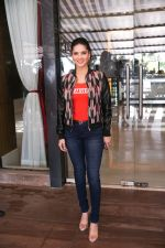 Sunny Leone Spotted at Juhu on 17th Sept 2018 (4)_5ba093c3b8528.jpg