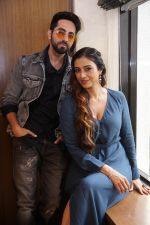 Tabu, Ayushman Khurana During The Media Interactions Of Film Andhadhun At Sun N Sand Juhu on 20th Sept 2018 (4)_5ba887dca8df2.jpg