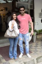 Zaheer Iqbal and Pranutan Bahl spotted at Fabel juhu on 21st Sept 2018 (2)_5ba895012b753.JPG