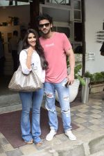 Zaheer Iqbal and Pranutan Bahl spotted at Fabel juhu on 21st Sept 2018 (4)_5ba895028daf3.JPG