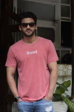 Zaheer Iqbal spotted at Fabel juhu on 21st Sept 2018 (25)_5ba89562a226b.JPG