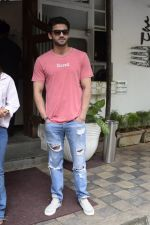 Zaheer Iqbal spotted at Fabel juhu on 21st Sept 2018 (29)_5ba895545bca0.JPG