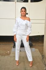 Amrita Arora spotted at Mehboob Studio in bandra on 25th Sept 2018 (14)_5baa6b123ddc9.JPG
