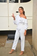 Amrita Arora spotted at Mehboob Studio in bandra on 25th Sept 2018 (15)_5baa6b14c471e.JPG