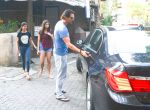 Arjun Rampal & Daughters Spotted At Bandra on 23rd Sept 2018 (9)_5ba9e3e867199.jpg
