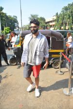 Kunal Rawal Spotted At Bastian Bandra on 23rd Sept 2018 (3)_5ba9e29b88dc9.jpg