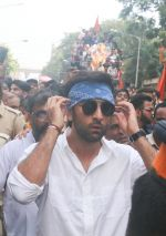 Ranbir Kapoor At The RK Studio_s Ganesha Immersion In Chembur on 23rd Sept 2018 (20)_5ba9ef128204d.jpg