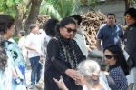 Shabana Azmi at Kalpana Lajmi Funeral At Oshiwara Crematorium In Mumbai on 23rd Sept 2018 (122)_5ba9d34899fba.JPG