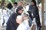 Shabana Azmi at Kalpana Lajmi Funeral At Oshiwara Crematorium In Mumbai on 23rd Sept 2018 (123)_5ba9d34f557ee.JPG