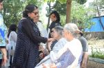 Shabana Azmi at Kalpana Lajmi Funeral At Oshiwara Crematorium In Mumbai on 23rd Sept 2018 (128)_5ba9d35a0c9e6.JPG