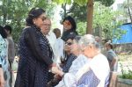 Shabana Azmi at Kalpana Lajmi Funeral At Oshiwara Crematorium In Mumbai on 23rd Sept 2018 (132)_5ba9d3b90adf6.JPG