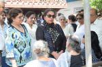 Shabana Azmi at Kalpana Lajmi Funeral At Oshiwara Crematorium In Mumbai on 23rd Sept 2018 (134)_5ba9d3c6ed356.JPG