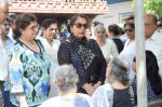 Shabana Azmi at Kalpana Lajmi Funeral At Oshiwara Crematorium In Mumbai on 23rd Sept 2018 (135)_5ba9d3c96ccbb.JPG