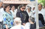 Shabana Azmi at Kalpana Lajmi Funeral At Oshiwara Crematorium In Mumbai on 23rd Sept 2018 (137)_5ba9d3da0e287.JPG