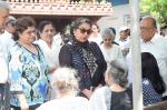 Shabana Azmi at Kalpana Lajmi Funeral At Oshiwara Crematorium In Mumbai on 23rd Sept 2018 (138)_5ba9d3dfc147f.JPG