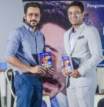 Emraan Hashmi at Launch of Author Amit Lodha_s Book BIHAR DIARIES on 25th Sept 2018 (7)_5bab320358d81.jpg