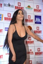 Poonam Pandey at Bright Awards in NSCI worli on 25th Sept 2018 (77)_5bab3cf49854c.jpg