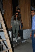 Gauri Khan spotted at bandra on 27th Sept 2018 (3)_5badd15389fa5.JPG