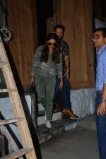 Gauri Khan spotted at bandra on 27th Sept 2018 (4)_5badd15c7abfb.JPG