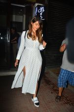 Ileana D_cruz with husband at Bastian bandra on 27th Sept 2018 (10)_5badd17508808.JPG