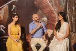 Katrina Kaif and Fatima Sana Shaikh, Vijay Krishna Acharya at the Trailer launch of film Thugs of Hindustan at Imax Wadala on 27th Sept 2018 (6)_5badcaf0b4455.jpg