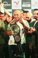 Mike Tyson At The Press Conference Of Kumite 1 League At St Regis Hotel In Mumbai on 28th Sept 2018 (9)_5baf2abf27c03.jpg